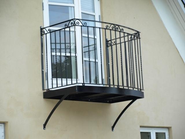 Kundedesignet balkon i smedejern
