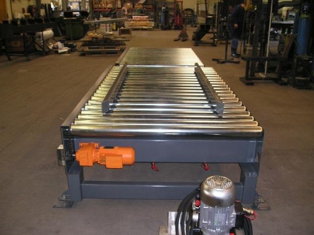 Rullebane med hydralisk pallecentrering
