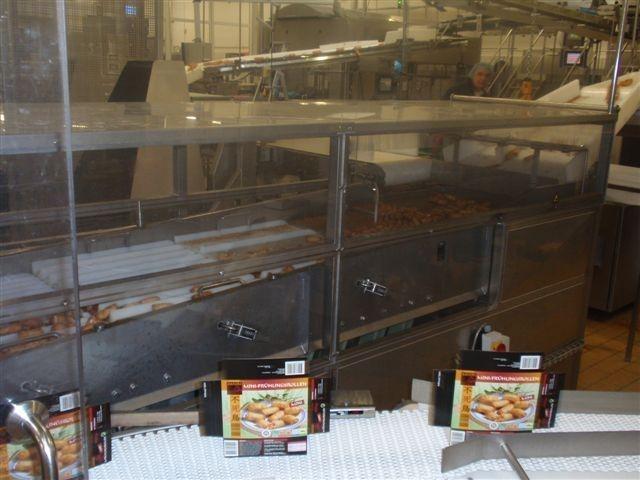 Støjkabinet opbygget på rustfrit stål ramme. Fremstillet og monteret af JPL industri